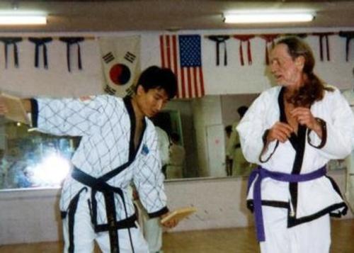Willie Nelson, martial artist